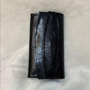 Genuine leather 4 key holder snap closure